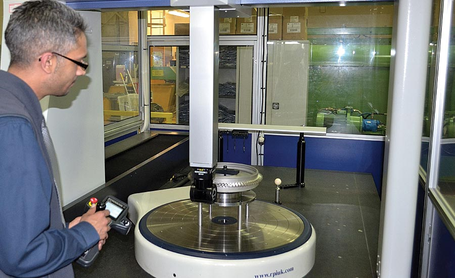 Using a rotary table on a CMM